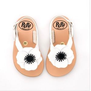 Other - Pepe White flower Sandals